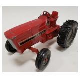 1/16 Ertl International Harvester Wide Front