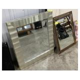 Lot of hanging mirrors