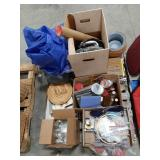 Misc lot including knitting accessories and yarn,