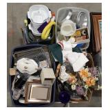 Misc lot of housewares. Glass, baking pans and