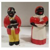 Black Americana plastic salt and pepper shakers
