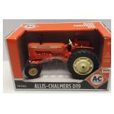 1/16 Ertl Allis-Chalmers D19 Tractor In Box