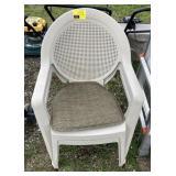 2 Grosfillex chairs