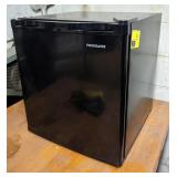 Frigidaire Mini Fridge. 18x18x20