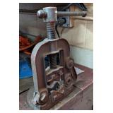 Bench Mounted Pipe Vise