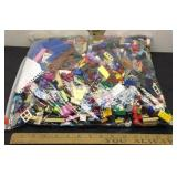 E3 FIVE POUNDS OF LEGOS, ASSORTED COLORS & SIZES