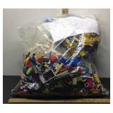 E3 7 1/2 POUNDS ASSORTED LEGOS, VARIOUS SIZES AND