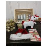 M4 lot of Christmas items in wooden basket