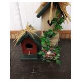 Q1 2 wooden decorative bird houses