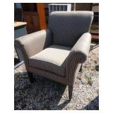ZL living room armchair in Nice condition