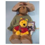 Large teddy bear, plush Winnie-the-Pooh,