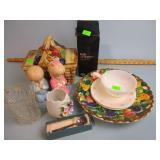 Pottery basket cookie jar, Corelle, figurines,