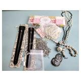 Plunder jewelry: necklaces, bracelet
