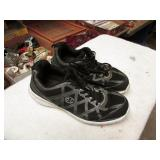 WOMENS CHAMPION SHOES SIZE 7.5