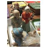TRAY LOT -- PORCELAIN FIGURINES
