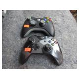 2 XBOX WIRELESS CONTROLLERS