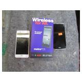 2 LG CELLPHONES UNTESTED