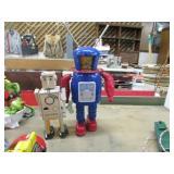 2 WINDUP ROBOTS