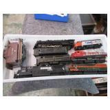 TRAYLOT- TRAIN ENGINES & CARS