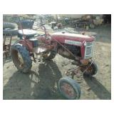 FARMALL CUB ANTIQUE TRACTOR  176