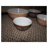 Nice Pyrex Bowl Set