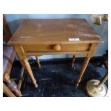 Small wood table w/ drawer