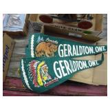 2 vintage pennants - Canada