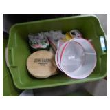 Tote w/ picnic items - tote lid very dirty