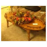 COFFEE TABLE AND WREATH