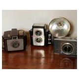 Kodak Brownie Holiday, Starflex, Taron Chic Camera