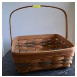 Longaberger Pie Basket with Handle