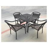 4 chairs and table patio set