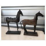 2 metal horse decor