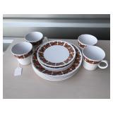 Noritake Plate set