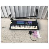 Yamaha Portatone PSR-185 keyboard w/stand
