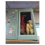 Tiny Thumbelina box with assorted doll clothes (no doll included)