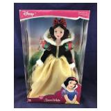 Large Boxed Disney Porcelain Snow White Doll1