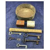 5 Large Keys + Tin & Small Wood/Stone Boxes