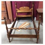 Vintage Twin Maple Pineapple Post Bed