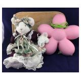 Dressed Terry Cloth-Type Bear/Pink Flower Lamp