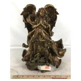 Resin Statuette Angel Nativity Scene