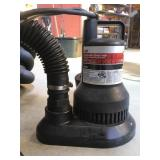 Submersible Sump Pump w/ Hose