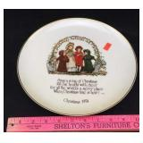 Christmas 1974 Decorative Plate