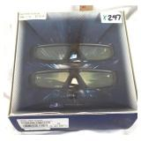 Nearly new Samsung 3-D video glasses Kit