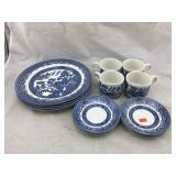 Churchill Blue Willow China 12 Piece Set