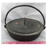 Antique Cast Iron Pan with Lid and Cast Iron Bale