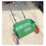 Scotts AccuGreen Spreader