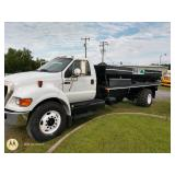2013 Ford F750 With BBI Spreader