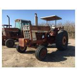 I H 1066 Wheel Tractor