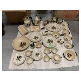 LARGE LOT OF METLOX POPPYTRAIL DISHES ROOSTERS